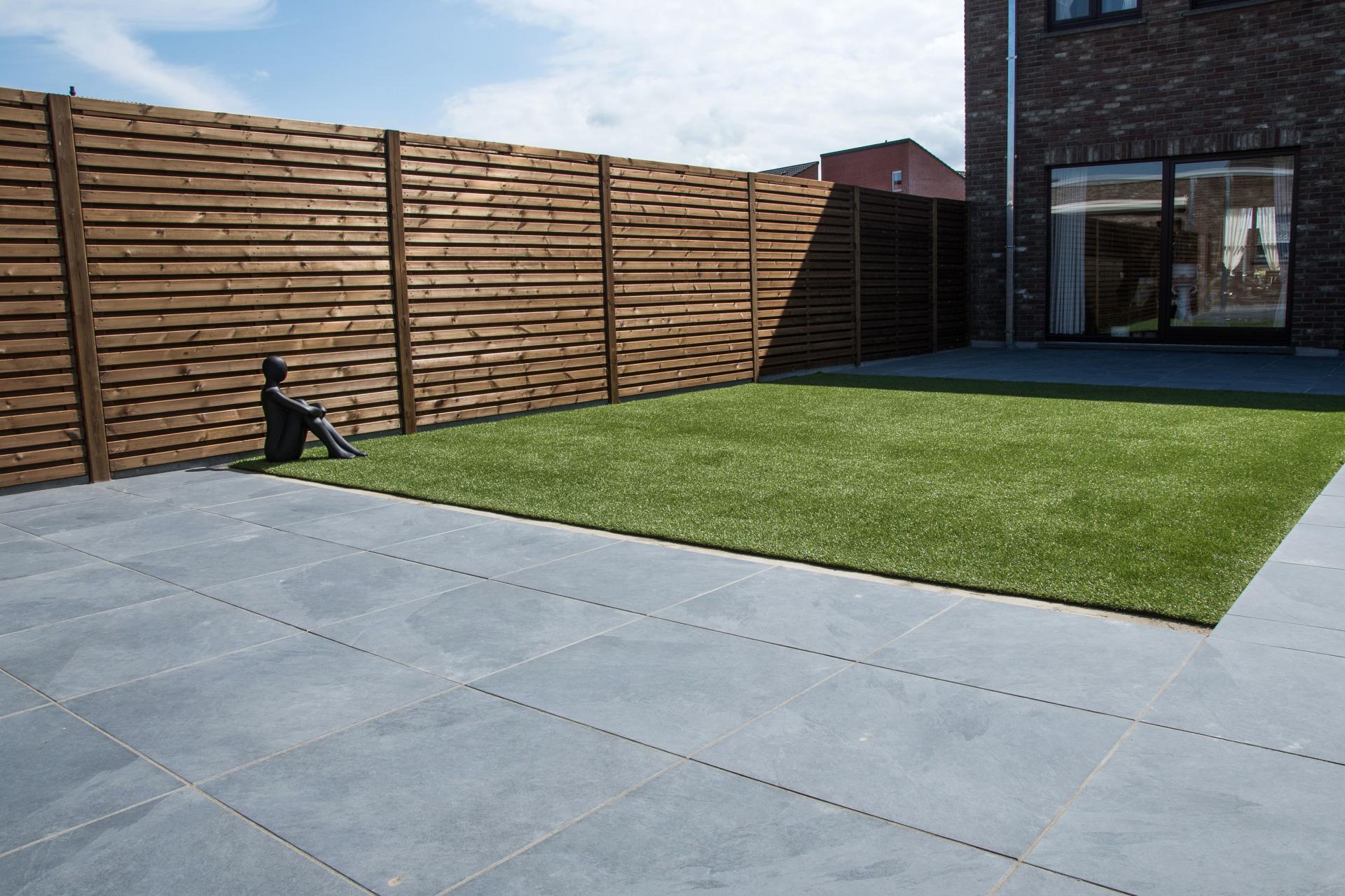 Terras keramische tegel 60x60 en kunstgras